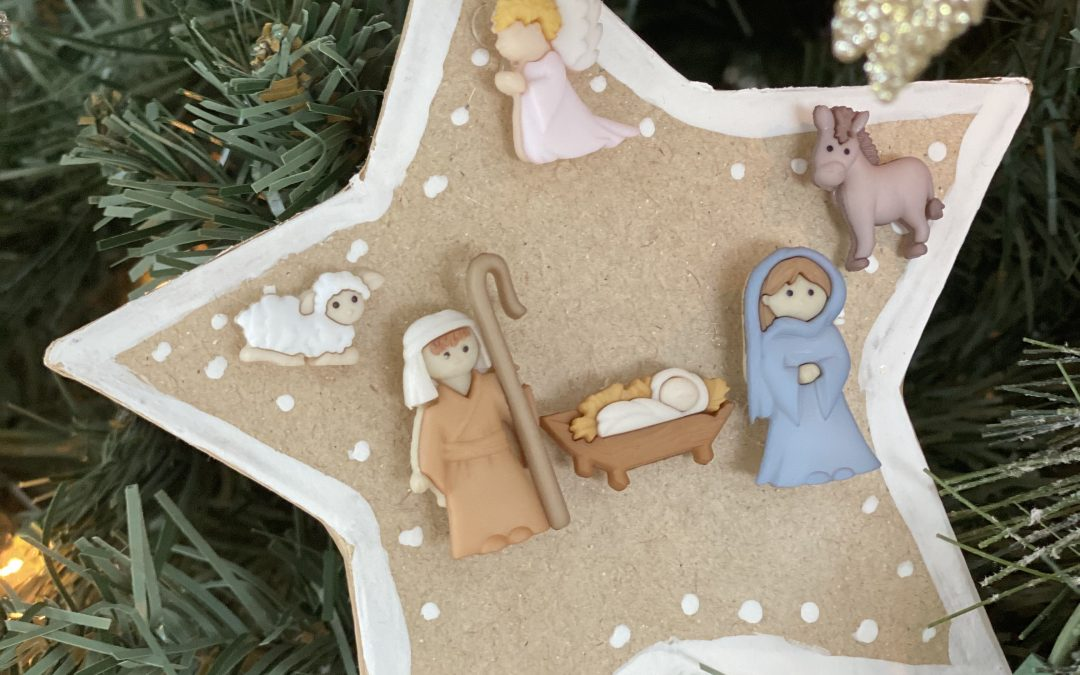 4 Simple Crafts to Do With Kids This Season