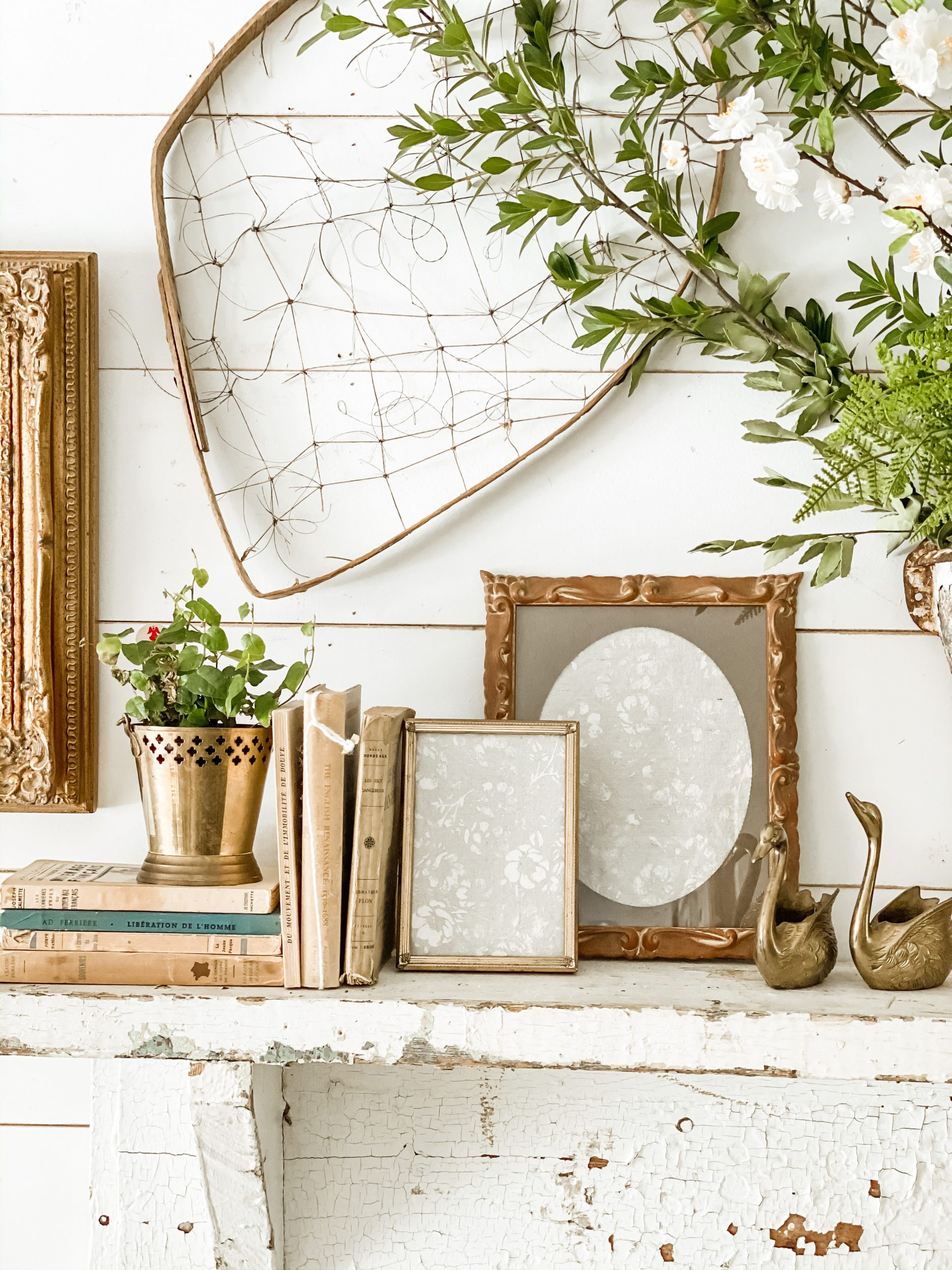 How to Create Simple Decor Vignettes