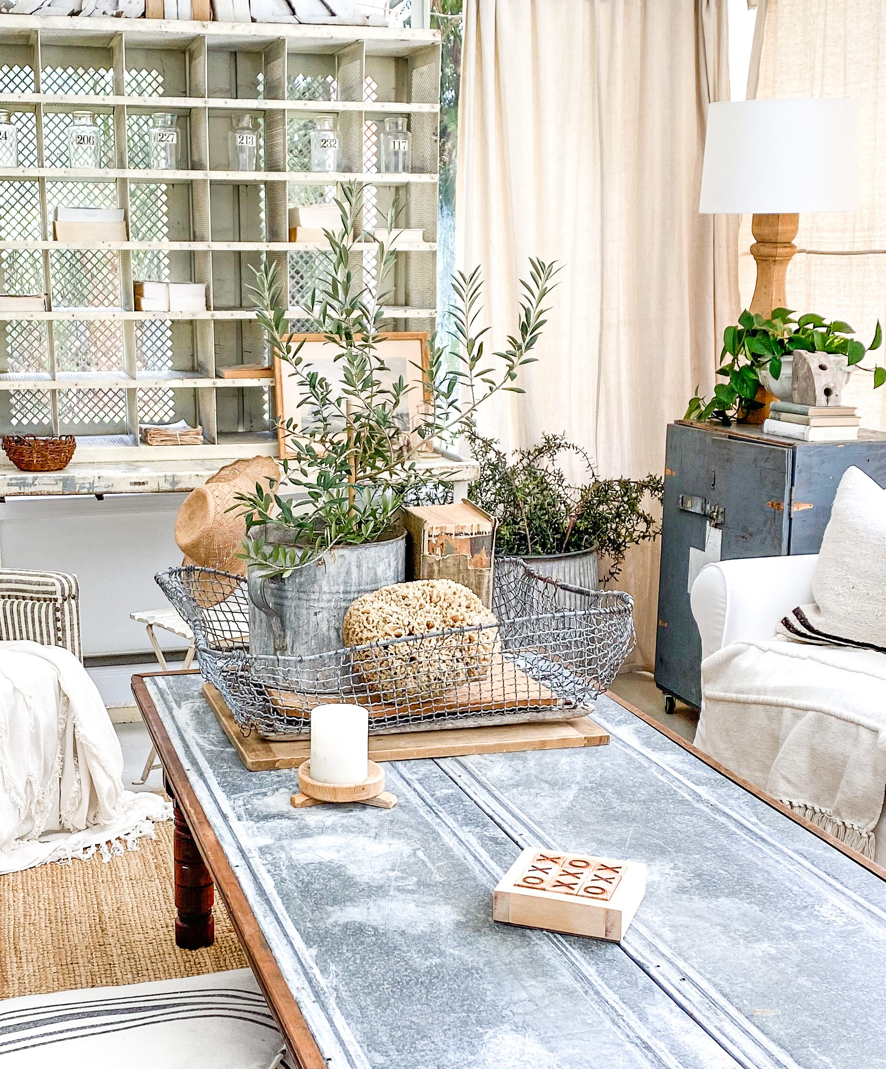 How to Decorate a Beautiful Coffee Table in 4 Easy Steps