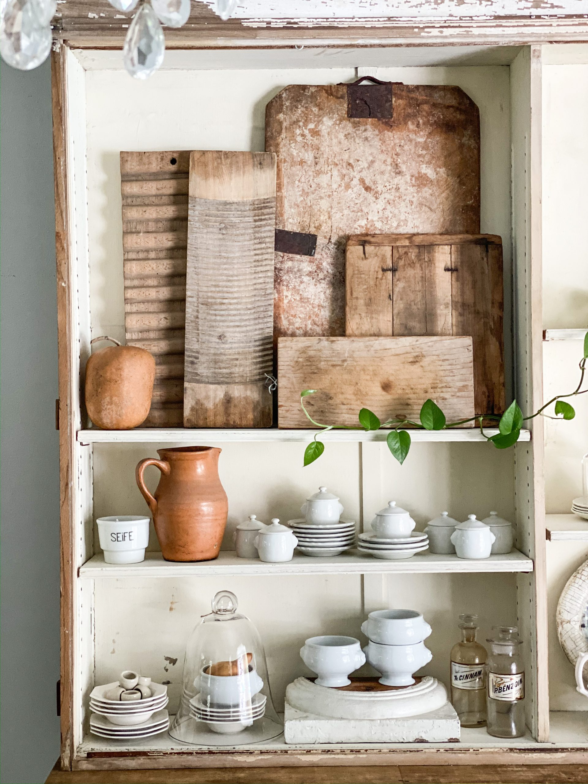 The Best 3 Unique Things for Fall Shelf Styling