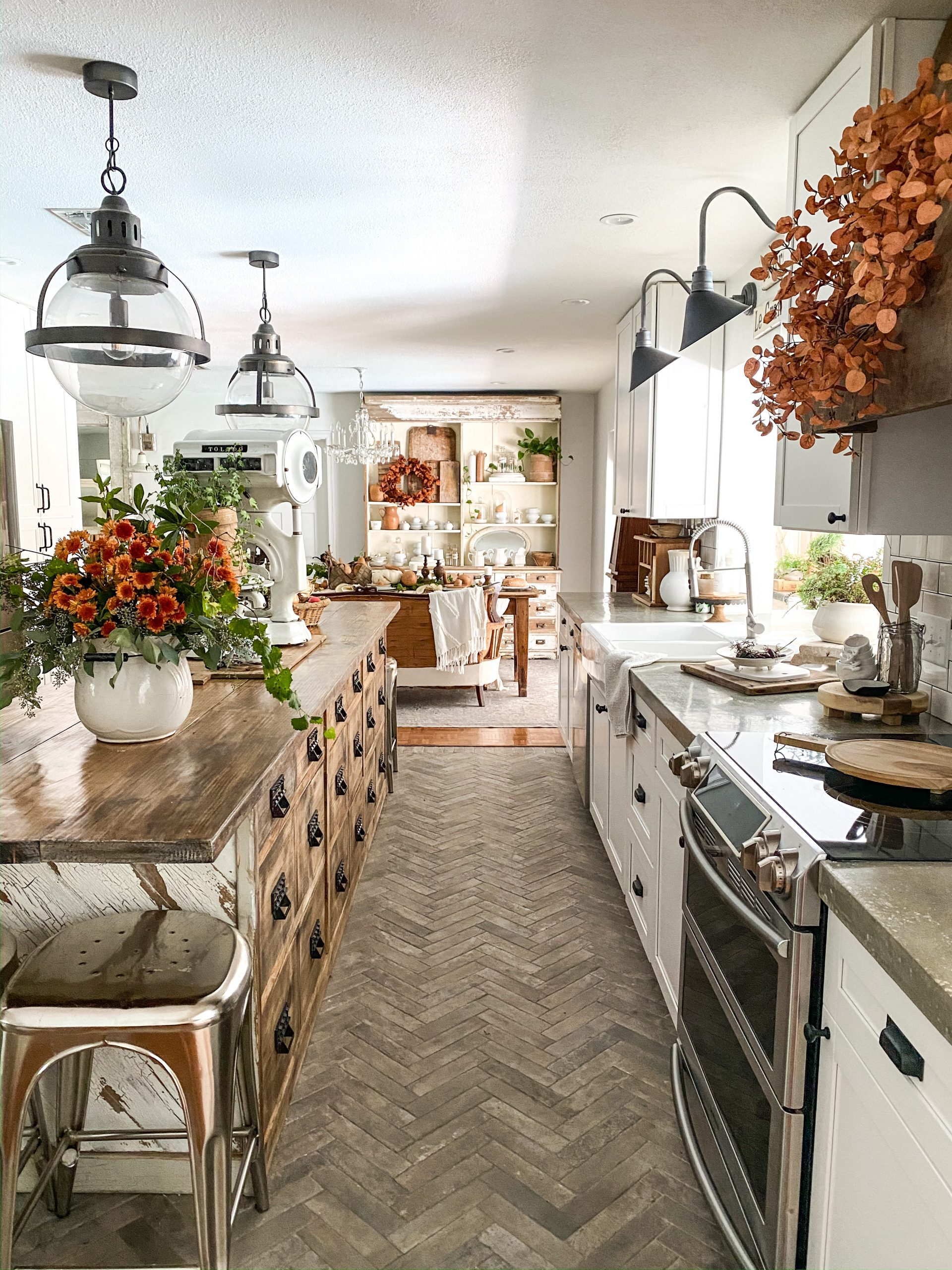 Simple Fall Decor Tour to See Our Grateful Home