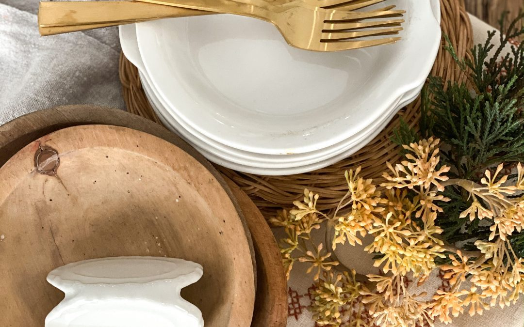 5 Simple and Beautiful Fall Tablescapes for Grateful Living
